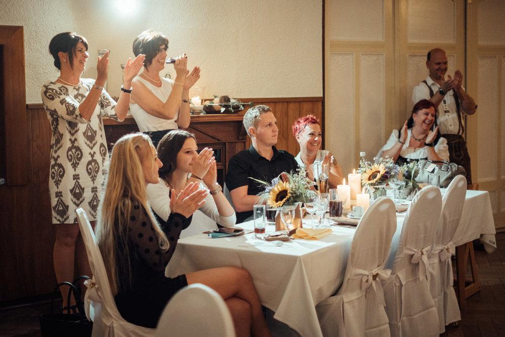 Hochzeitsfoto-Hochzeitsreportage-Neustadt bei Coburg-Oberfranken-Bayern-Hochzeitsfotograf-Kevin Biberbach-KEVIN Fotografie-Fujifilm-Hochzeitswahn-116.jpg