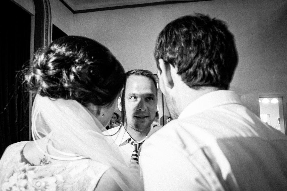 Hochzeitsfoto-Hochzeitsreportage-Neustadt bei Coburg-Oberfranken-Bayern-Hochzeitsfotograf-Kevin Biberbach-KEVIN Fotografie-Fujifilm-Hochzeitswahn-123.jpg