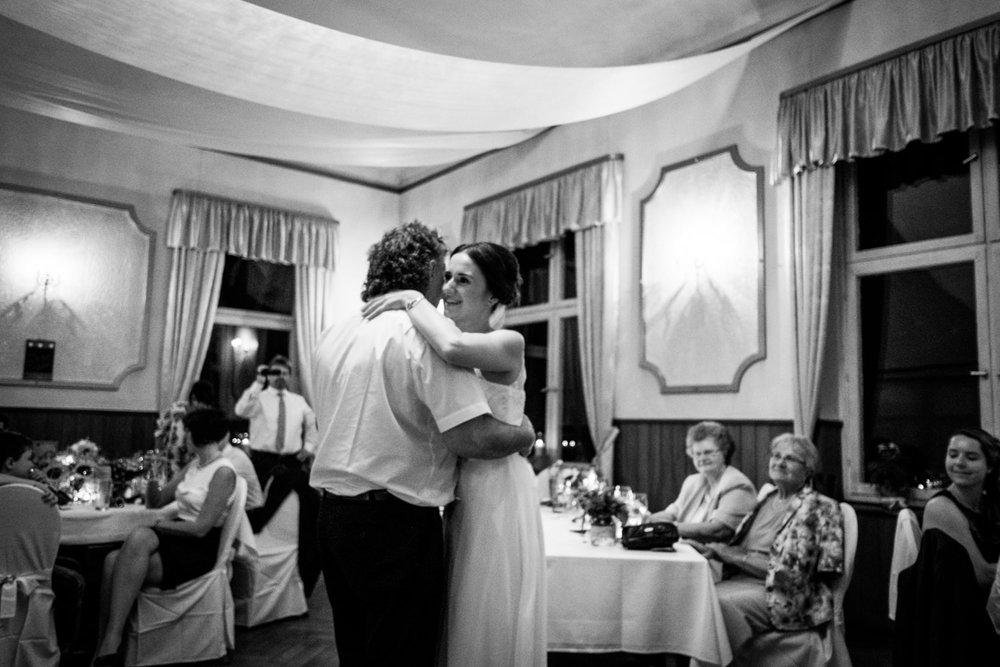 Hochzeitsfoto-Hochzeitsreportage-Neustadt bei Coburg-Oberfranken-Bayern-Hochzeitsfotograf-Kevin Biberbach-KEVIN Fotografie-Fujifilm-Hochzeitswahn-124.jpg