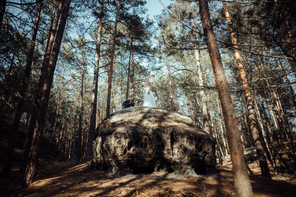 Elopement-After Wedding Shooting-Hochzeitsreportage-Böhmische Schweiz-Sächsische Schweiz-Inspiration-Hochzeitsfotograf-Aachen-Kevin Biberbach-KEVIN Fotografie-Fujifilm-Hochzeitswahn-Hochzeit-20.jpg
