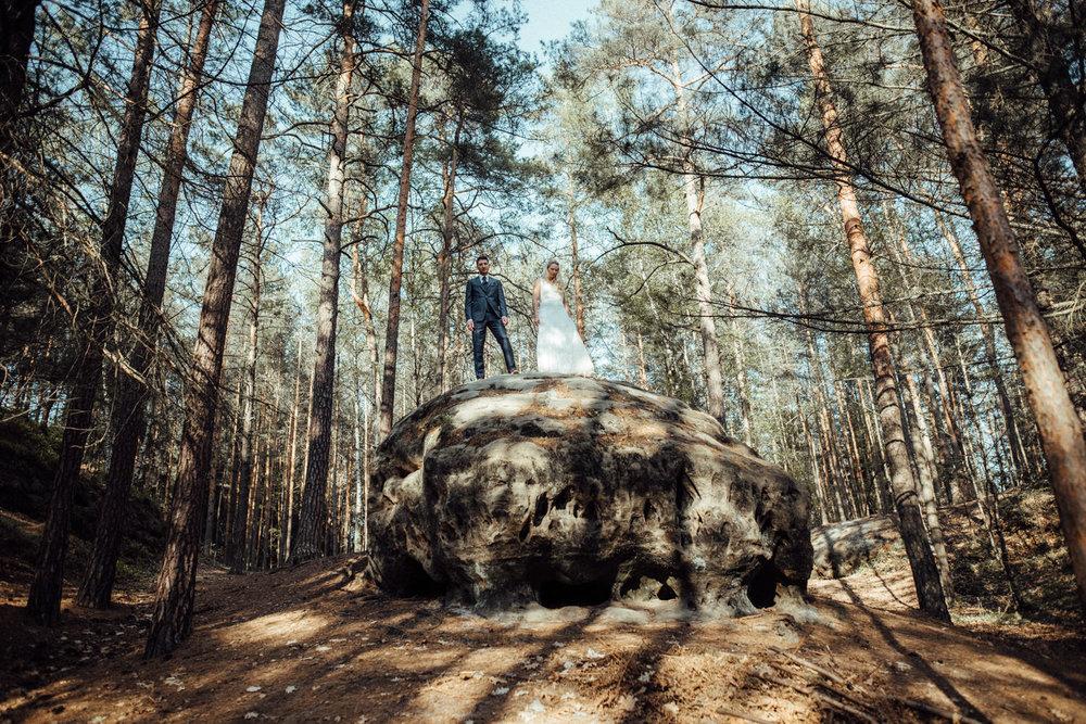Elopement-After Wedding Shooting-Hochzeitsreportage-Böhmische Schweiz-Sächsische Schweiz-Inspiration-Hochzeitsfotograf-Aachen-Kevin Biberbach-KEVIN Fotografie-Fujifilm-Hochzeitswahn-Hochzeit-21.jpg