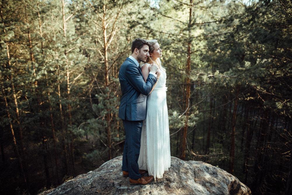 Elopement-After Wedding Shooting-Hochzeitsreportage-Böhmische Schweiz-Sächsische Schweiz-Inspiration-Hochzeitsfotograf-Aachen-Kevin Biberbach-KEVIN Fotografie-Fujifilm-Hochzeitswahn-Hochzeit-39.jpg