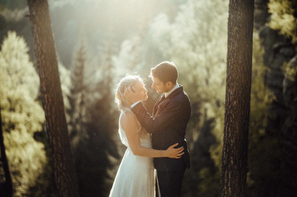 Elopement-After Wedding Shooting-Hochzeitsreportage-Böhmische Schweiz-Sächsische Schweiz-Inspiration-Hochzeitsfotograf-Aachen-Kevin Biberbach-KEVIN Fotografie-Fujifilm-Hochzeitswahn-Hochzeit-51.jpg