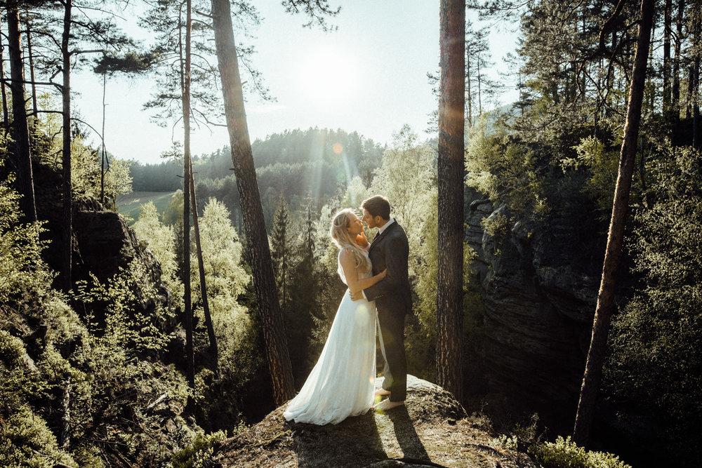Elopement-After Wedding Shooting-Hochzeitsreportage-Böhmische Schweiz-Sächsische Schweiz-Inspiration-Hochzeitsfotograf-Aachen-Kevin Biberbach-KEVIN Fotografie-Fujifilm-Hochzeitswahn-Hochzeit-50.jpg