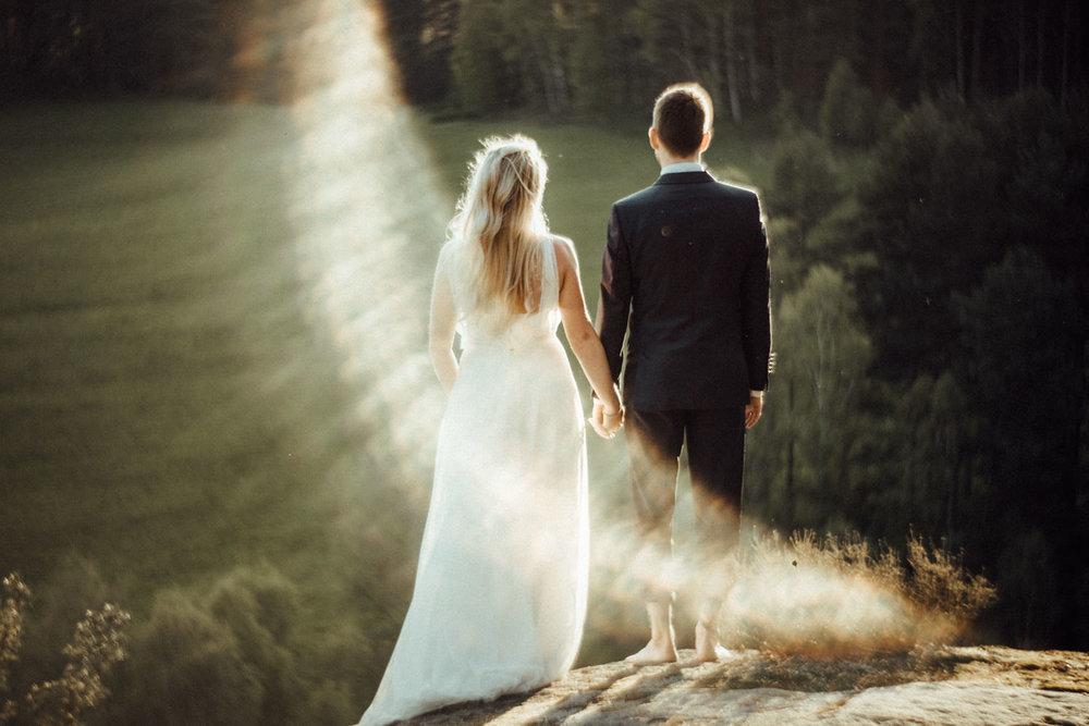 Elopement-After Wedding Shooting-Hochzeitsreportage-Böhmische Schweiz-Sächsische Schweiz-Inspiration-Hochzeitsfotograf-Aachen-Kevin Biberbach-KEVIN Fotografie-Fujifilm-Hochzeitswahn-Hochzeit-65.jpg