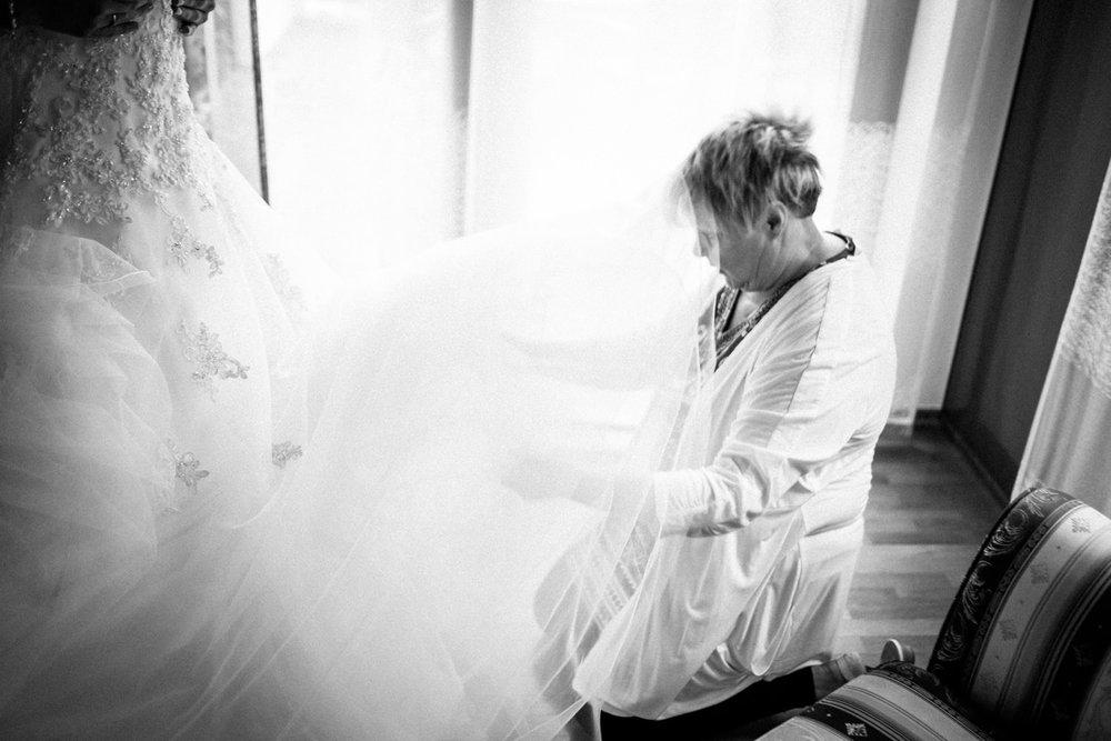 Hochzeitsfotograf-Hochzeitsreportage-Neustadt bei Coburg-Oberfranken-Bayern-Staffelstein-Banzer Wald-Kevin Biberbach-KEVIN Fotografie-Fujifilm-Schlosskirche Ehrenburg-Coburg-021.jpg