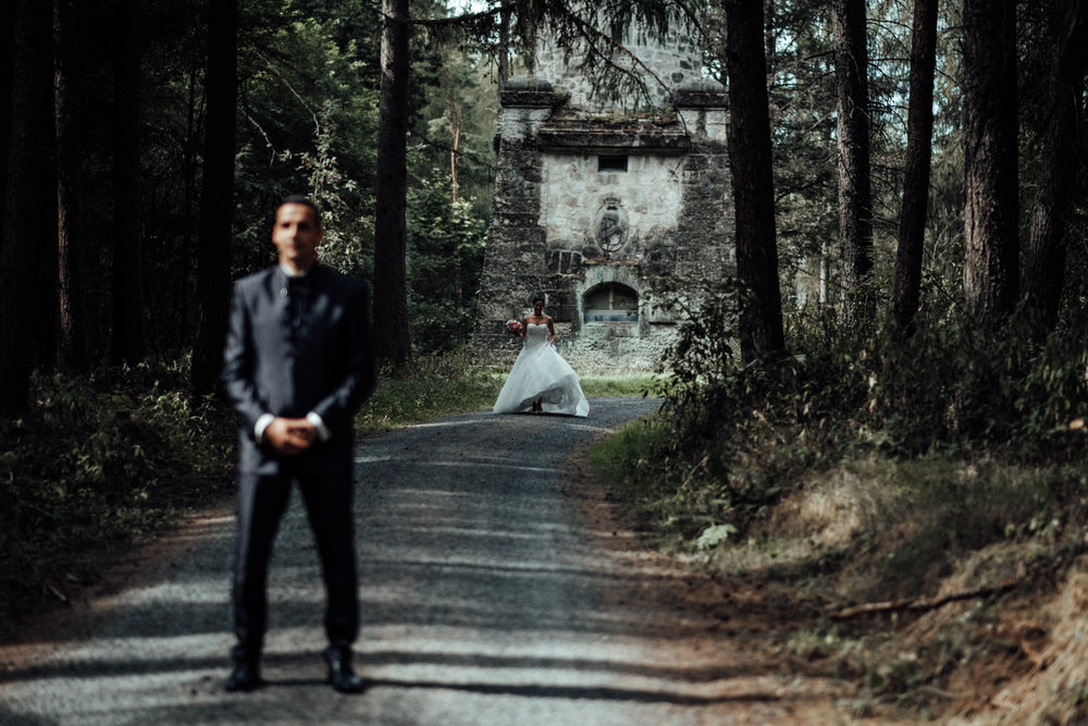 Hochzeitsfotograf-Hochzeitsreportage-Neustadt bei Coburg-Oberfranken-Bayern-Staffelstein-Banzer Wald-Kevin Biberbach-KEVIN Fotografie-Fujifilm-Schlosskirche Ehrenburg-Coburg-030.jpg