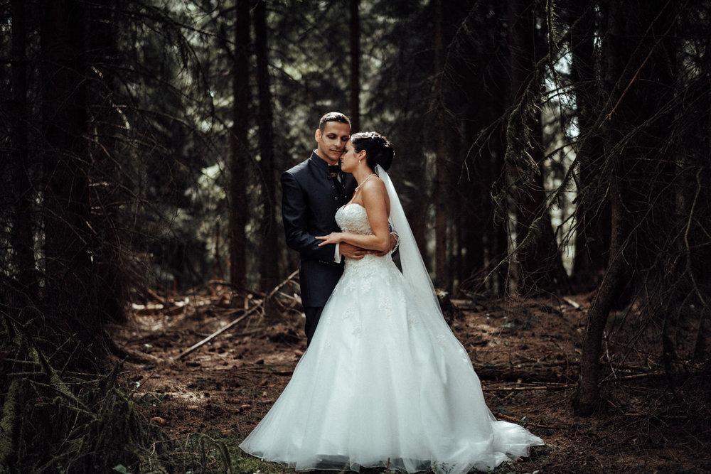 Hochzeitsfotograf-Hochzeitsreportage-Neustadt bei Coburg-Oberfranken-Bayern-Staffelstein-Banzer Wald-Kevin Biberbach-KEVIN Fotografie-Fujifilm-Schlosskirche Ehrenburg-Coburg-037.jpg