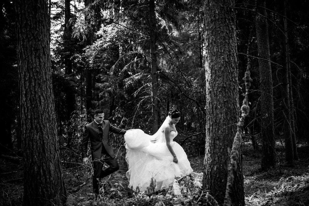 Hochzeitsfotograf-Hochzeitsreportage-Neustadt bei Coburg-Oberfranken-Bayern-Staffelstein-Banzer Wald-Kevin Biberbach-KEVIN Fotografie-Fujifilm-Schlosskirche Ehrenburg-Coburg-039.jpg