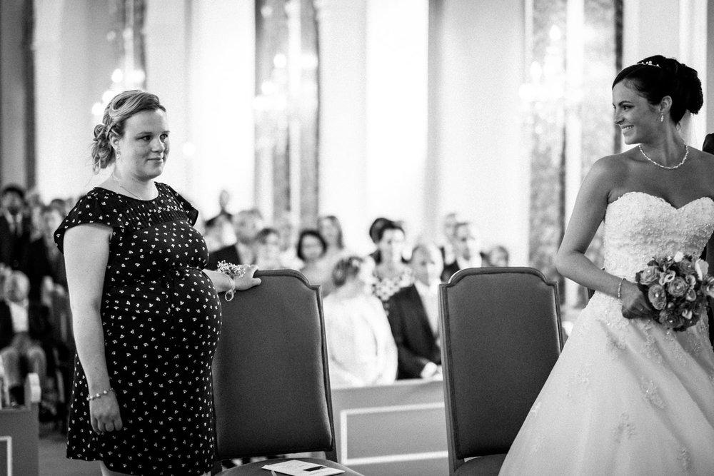 Hochzeitsfotograf-Hochzeitsreportage-Neustadt bei Coburg-Oberfranken-Bayern-Staffelstein-Banzer Wald-Kevin Biberbach-KEVIN Fotografie-Fujifilm-Schlosskirche Ehrenburg-Coburg-064.jpg