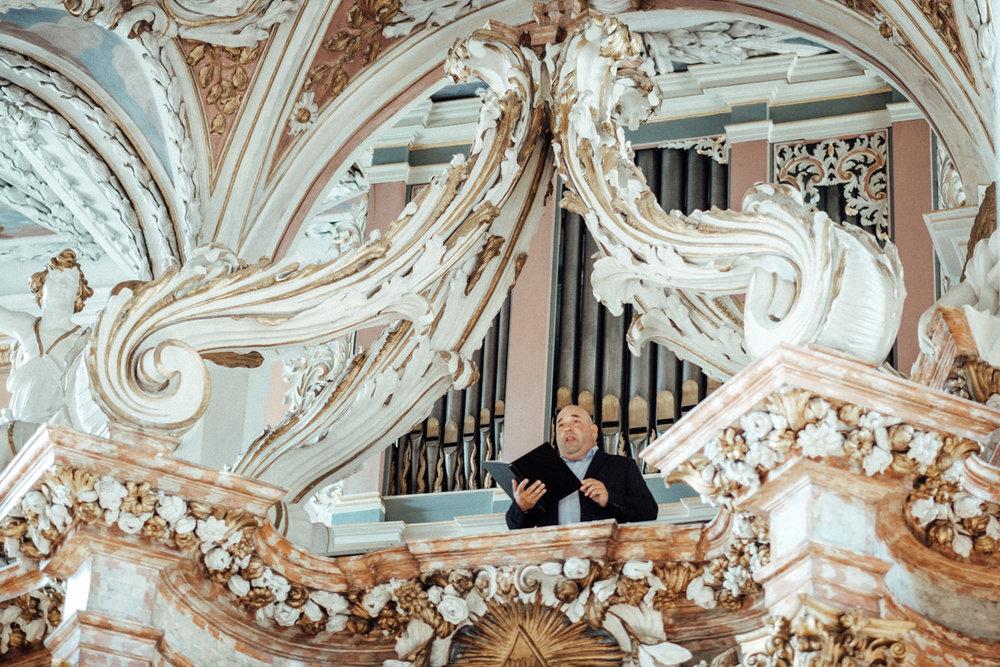Hochzeitsfotograf-Hochzeitsreportage-Neustadt bei Coburg-Oberfranken-Bayern-Staffelstein-Banzer Wald-Kevin Biberbach-KEVIN Fotografie-Fujifilm-Schlosskirche Ehrenburg-Coburg-072.jpg