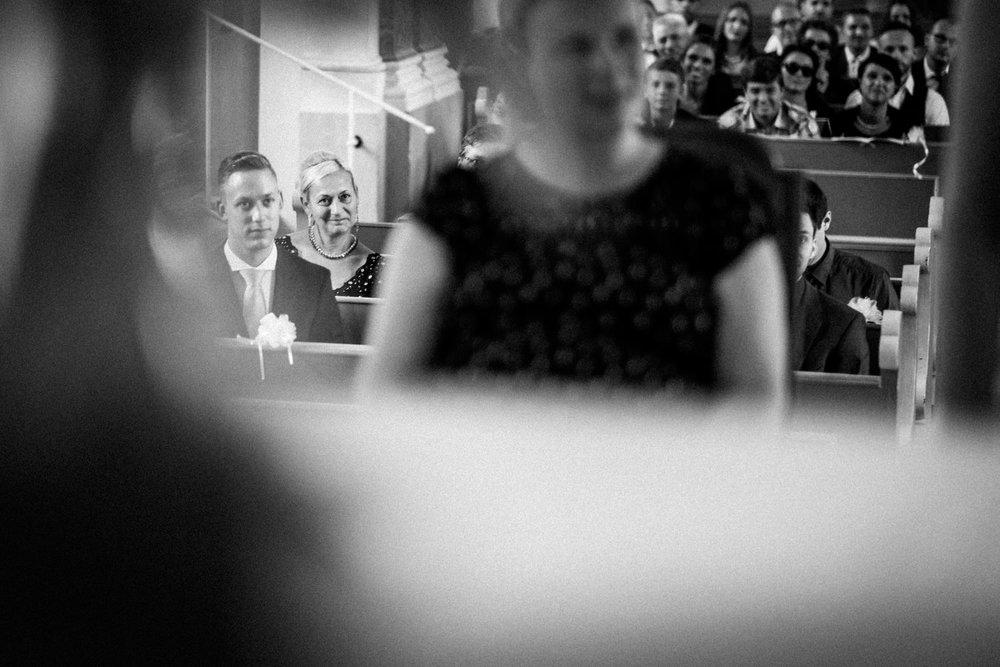 Hochzeitsfotograf-Hochzeitsreportage-Neustadt bei Coburg-Oberfranken-Bayern-Staffelstein-Banzer Wald-Kevin Biberbach-KEVIN Fotografie-Fujifilm-Schlosskirche Ehrenburg-Coburg-074.jpg