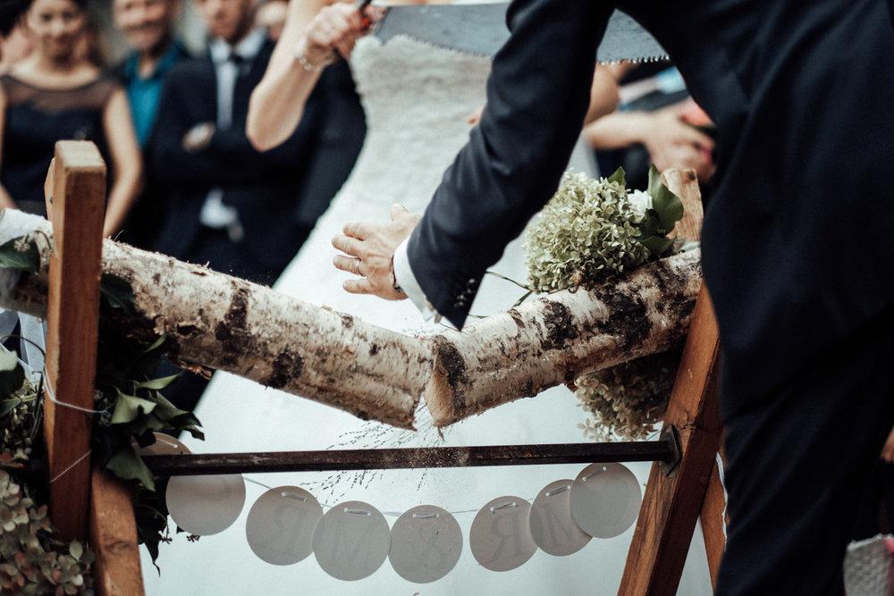 Hochzeitsfotograf-Hochzeitsreportage-Neustadt bei Coburg-Oberfranken-Bayern-Staffelstein-Banzer Wald-Kevin Biberbach-KEVIN Fotografie-Fujifilm-Schlosskirche Ehrenburg-Coburg-097.jpg