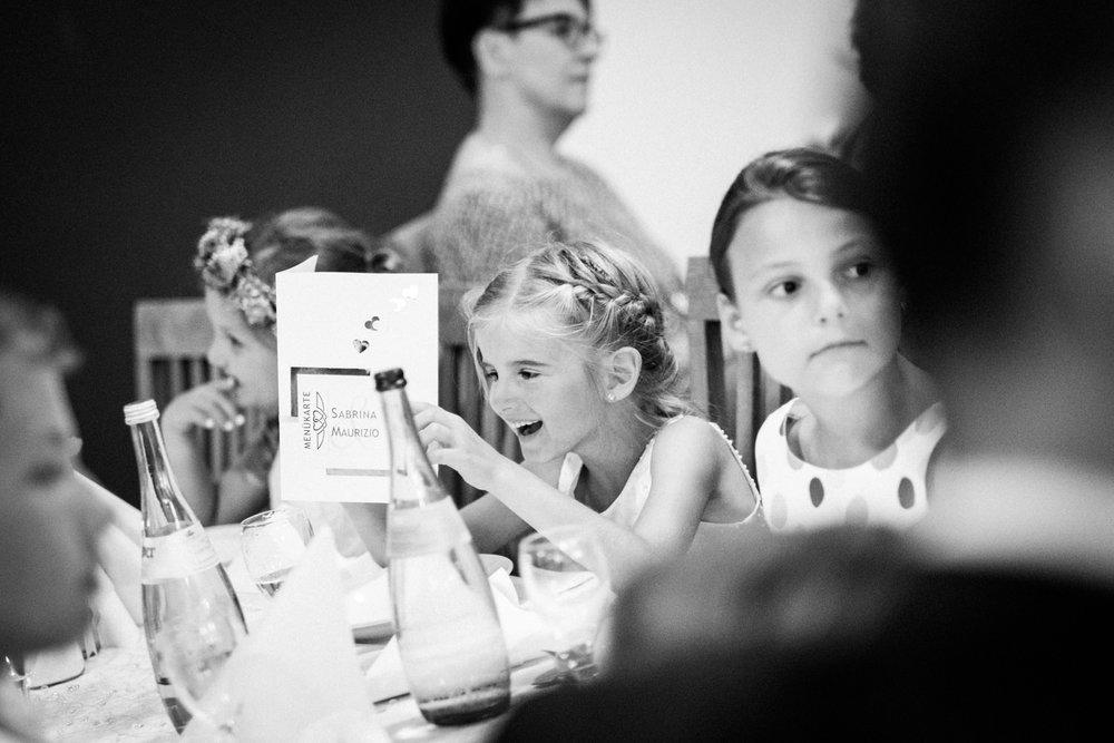 Hochzeitsfotograf-Hochzeitsreportage-Neustadt bei Coburg-Oberfranken-Bayern-Staffelstein-Banzer Wald-Kevin Biberbach-KEVIN Fotografie-Fujifilm-Schlosskirche Ehrenburg-Coburg-109.jpg