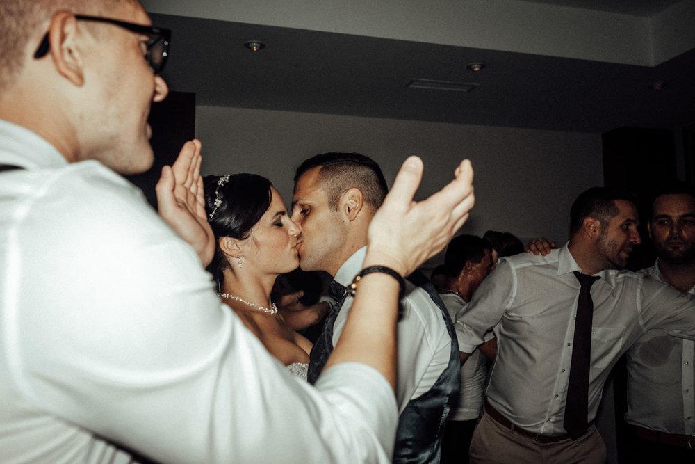 Hochzeitsfotograf-Hochzeitsreportage-Neustadt bei Coburg-Oberfranken-Bayern-Staffelstein-Banzer Wald-Kevin Biberbach-KEVIN Fotografie-Fujifilm-Schlosskirche Ehrenburg-Coburg-154.jpg