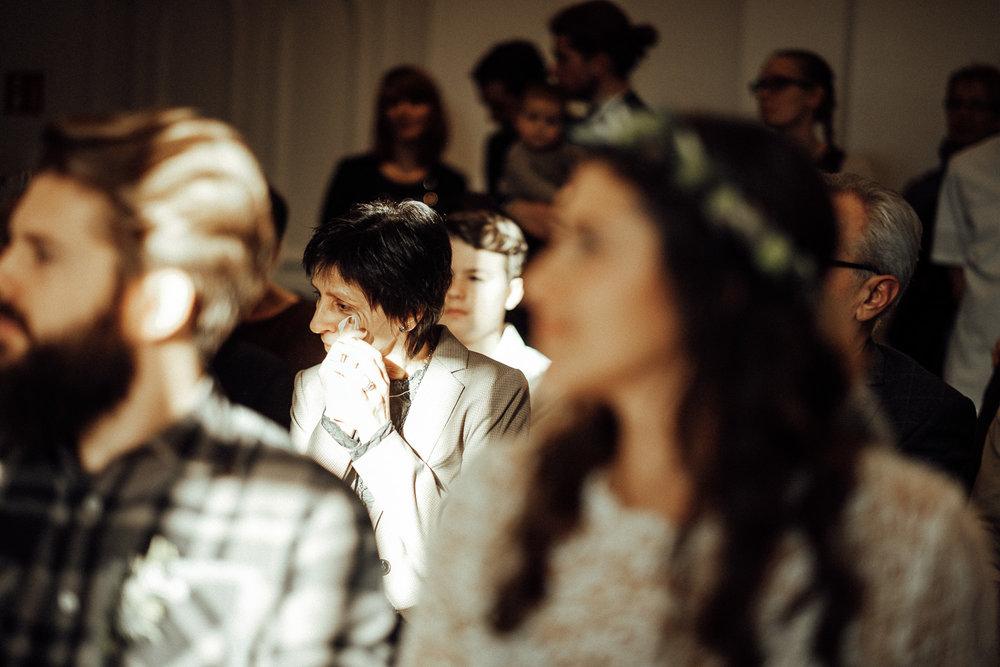 Hochzeitsfotos-Aachen-Hochzeitsfotograf-Aachen-Köln-NRW-Bonn-Top-Hochzeitsfotografen-Reportage-Gleichgeschlechtlich-Winterhochzeit-Kevin Biberbach-KEVIN Fotografie-072.jpg