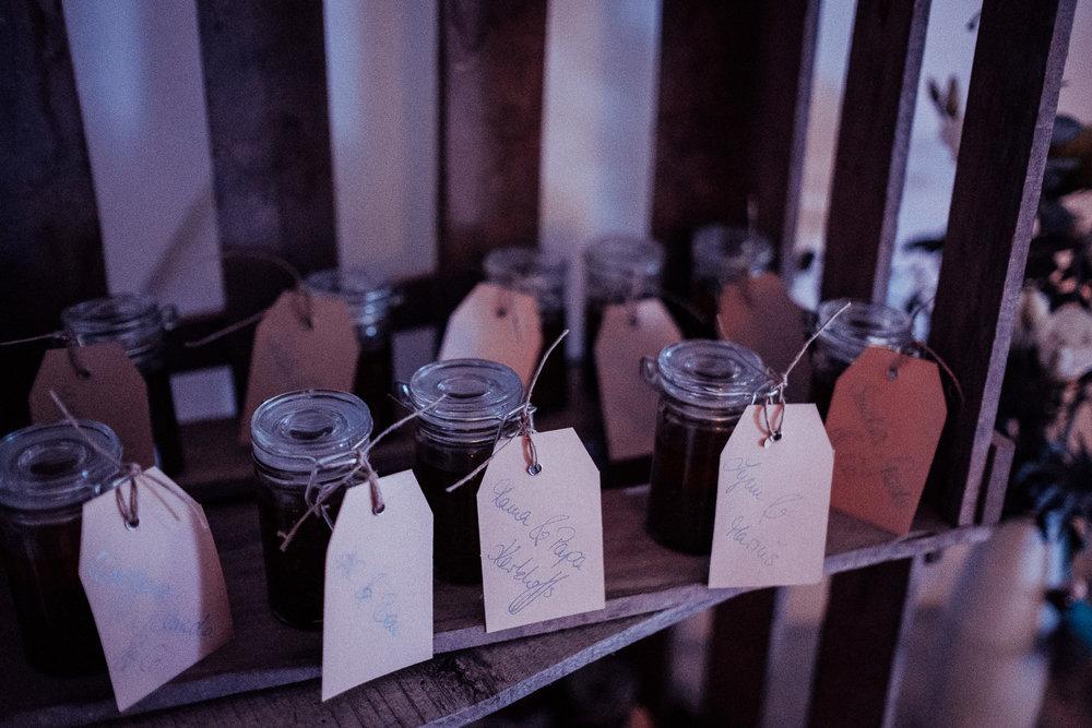 Hochzeitsfotos-Aachen-Hochzeitsfotograf-Aachen-Köln-NRW-Bonn-Top-Hochzeitsfotografen-Reportage-Gleichgeschlechtlich-Winterhochzeit-Kevin Biberbach-KEVIN Fotografie-162.jpg
