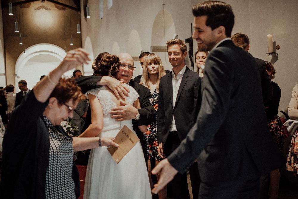Hochzeitsfotos NRW-Hochzeitsfotograf NRW-Hochzeitsreportage-Lousberg Aachen-Sommerhochzeit-Kevin Biberbach-KEVIN - Fotografie-063.jpg