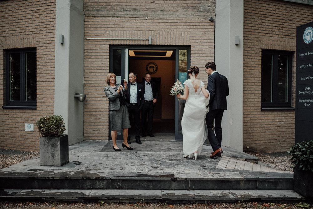 Hochzeitsfotos NRW-Hochzeitsfotograf NRW-Hochzeitsreportage-Lousberg Aachen-Sommerhochzeit-Kevin Biberbach-KEVIN - Fotografie-096.jpg