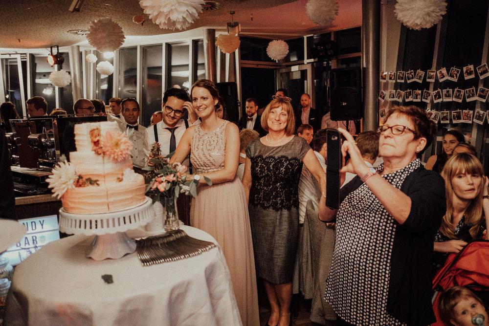Hochzeitsfotos NRW-Hochzeitsfotograf NRW-Hochzeitsreportage-Lousberg Aachen-Sommerhochzeit-Kevin Biberbach-KEVIN - Fotografie-166.jpg