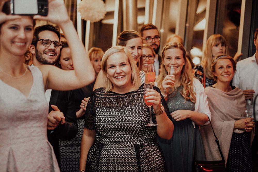 Hochzeitsfotos NRW-Hochzeitsfotograf NRW-Hochzeitsreportage-Lousberg Aachen-Sommerhochzeit-Kevin Biberbach-KEVIN - Fotografie-179.jpg