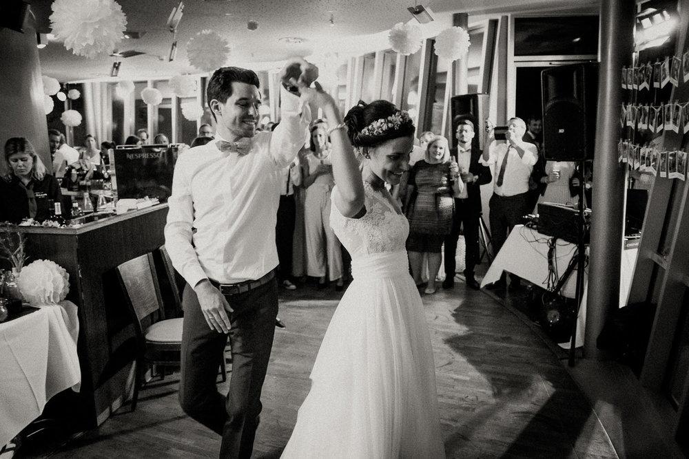 Hochzeitsfotos NRW-Hochzeitsfotograf NRW-Hochzeitsreportage-Lousberg Aachen-Sommerhochzeit-Kevin Biberbach-KEVIN - Fotografie-184.jpg