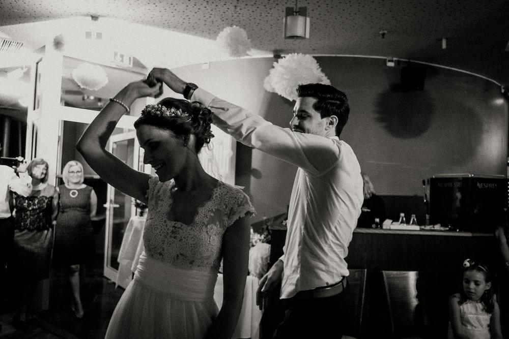 Hochzeitsfotos NRW-Hochzeitsfotograf NRW-Hochzeitsreportage-Lousberg Aachen-Sommerhochzeit-Kevin Biberbach-KEVIN - Fotografie-187.jpg