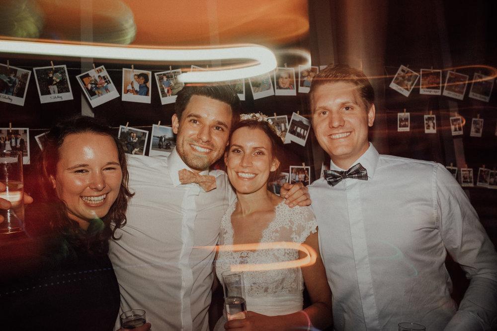 Hochzeitsfotos NRW-Hochzeitsfotograf NRW-Hochzeitsreportage-Lousberg Aachen-Sommerhochzeit-Kevin Biberbach-KEVIN - Fotografie-197.jpg