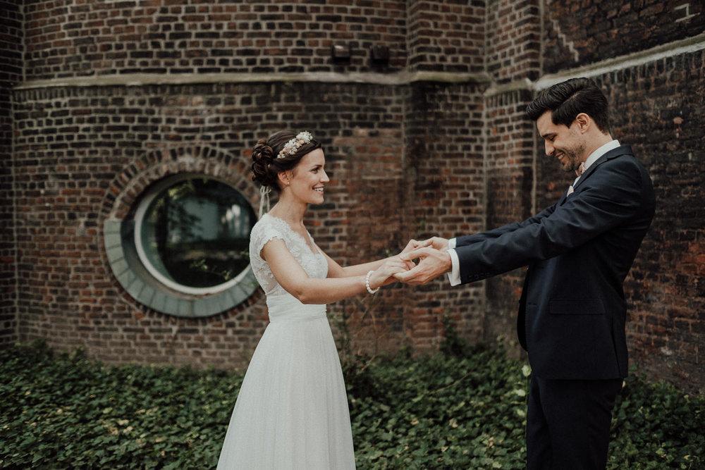Hochzeitsfotos-Hochzeitslocation-Würzburg-Hochzeitsfotograf-Aachen-Köln-NRW-Bonn-Top-Hochzeitsfotografen-Reportage-Storytelling-Preise-Kevin Biberbach-KEVIN Fotografie-40.jpg