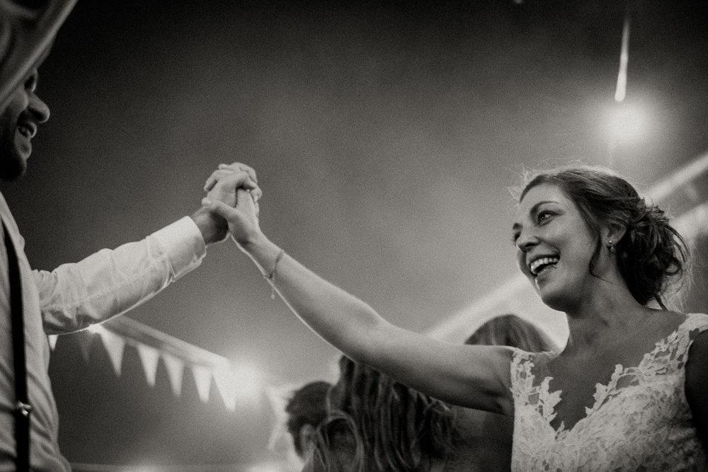 Hochzeitsfotos-Hochzeitslocation-Würzburg-Hochzeitsfotograf-Aachen-Köln-NRW-Bonn-Top-Hochzeitsfotografen-Reportage-Storytelling-Preise-Kevin Biberbach-KEVIN Fotografie-42.jpg
