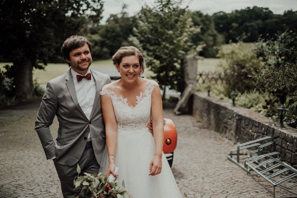 Hochzeitsfotos-Hochzeitslocation-Würzburg-Hochzeitsfotograf-Aachen-Köln-NRW-Bonn-Top-Hochzeitsfotografen-Reportage-Storytelling-Preise-Kevin Biberbach-KEVIN Fotografie-44.jpg