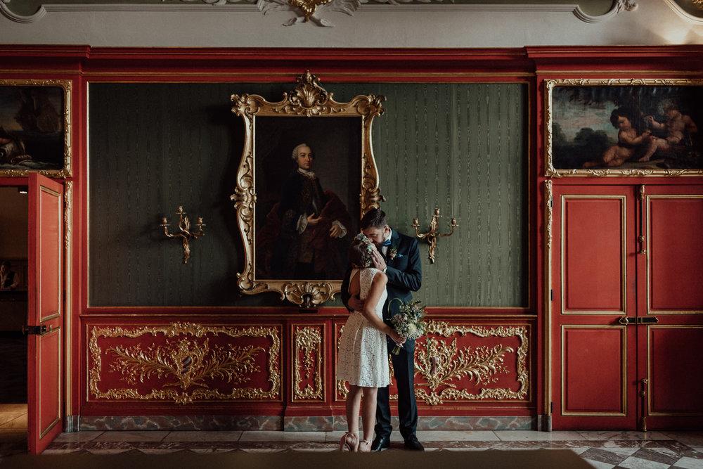 Hochzeitsreportage-NRW-Waldhochzeit-Lua Pauline-Aachen-Hochzeitsfotograf-freie Trauung-Köln-NRW-Bonn-Top-Hochzeitsfotografen-natürliche Bilder-Heiraten im Grünen-Kevin Biberbach-KEVIN Fotografie-041.jpg