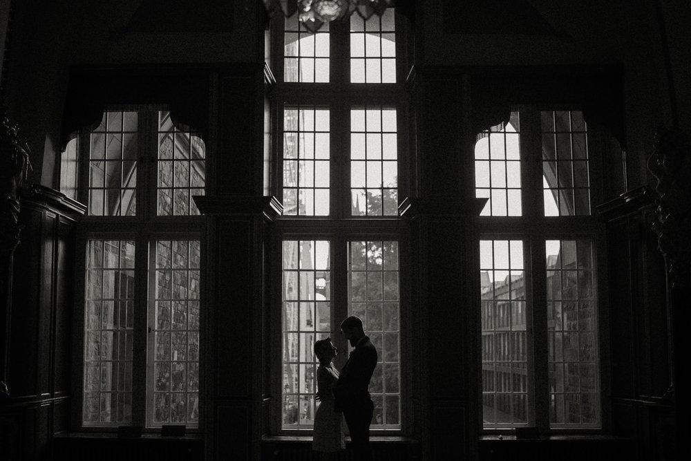 Hochzeitsreportage-NRW-Waldhochzeit-Lua Pauline-Aachen-Hochzeitsfotograf-freie Trauung-Köln-NRW-Bonn-Top-Hochzeitsfotografen-natürliche Bilder-Heiraten im Grünen-Kevin Biberbach-KEVIN Fotografie-042.jpg