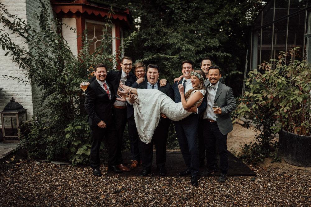 Hochzeitsreportage-NRW-Waldhochzeit-Lua Pauline-Aachen-Hochzeitsfotograf-freie Trauung-Köln-NRW-Bonn-Top-Hochzeitsfotografen-natürliche Bilder-Heiraten im Grünen-Kevin Biberbach-KEVIN Fotografie-104.jpg