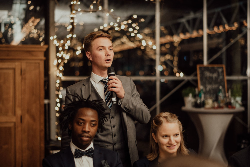 Hochzeitsreportage-NRW-Waldhochzeit-Lua Pauline-Aachen-Hochzeitsfotograf-freie Trauung-Köln-NRW-Bonn-Top-Hochzeitsfotografen-natürliche Bilder-Heiraten im Grünen-Kevin Biberbach-KEVIN Fotografie-112.jpg