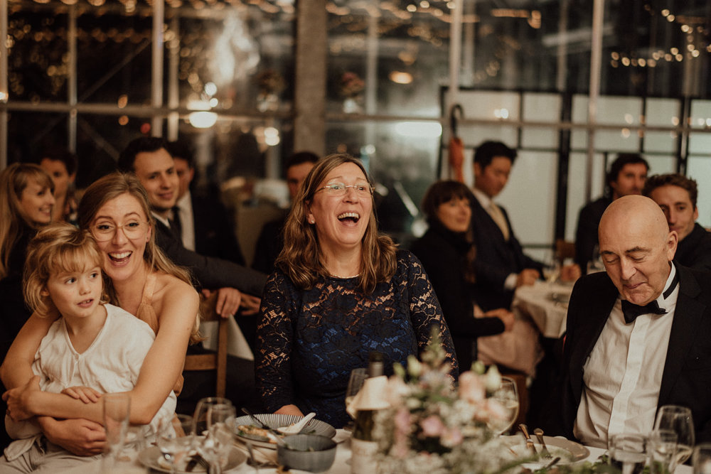 Hochzeitsreportage-NRW-Waldhochzeit-Lua Pauline-Aachen-Hochzeitsfotograf-freie Trauung-Köln-NRW-Bonn-Top-Hochzeitsfotografen-natürliche Bilder-Heiraten im Grünen-Kevin Biberbach-KEVIN Fotografie-113.jpg