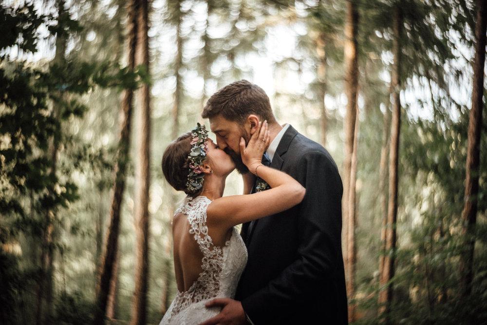 Hochzeitsfotograf Köln - Kevin Biberbach - Freie Trauung im Wald - NRW - Würzburg.jpg