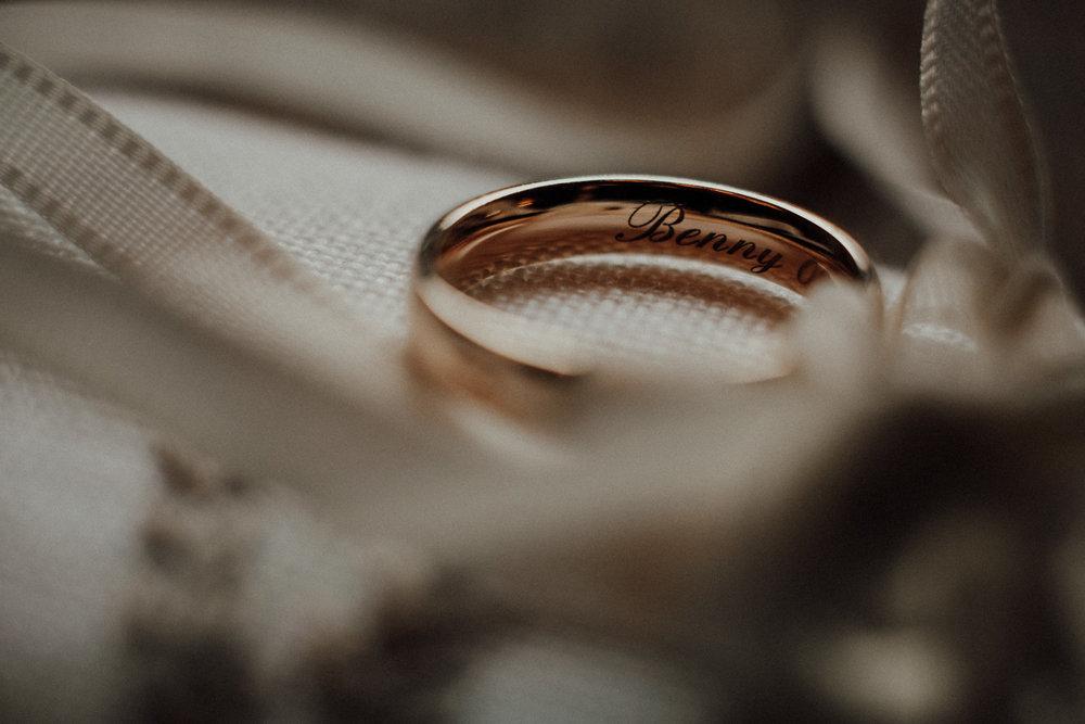 Hochzeitsfotos-Lech am Arlberg-Hochzeitsfotograf-Voralberg-Hochzeitslocation Villa Maund - Hochzeit Aachen Köln NRW Bonn -Hochzeitsfotograf Österreich-Gleichgeschlechtlich-Berghochzeit-Kevin Biberbach-026.jpg