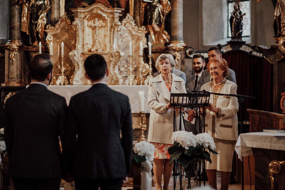 Hochzeitsfotos-Lech am Arlberg-Hochzeitsfotograf-Voralberg-Hochzeitslocation Villa Maund - Hochzeit Aachen Köln NRW Bonn -Hochzeitsfotograf Österreich-Gleichgeschlechtlich-Berghochzeit-Kevin Biberbach-114.jpg