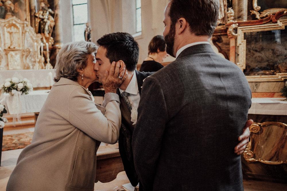 Hochzeitsfotos-Lech am Arlberg-Hochzeitsfotograf-Voralberg-Hochzeitslocation Villa Maund - Hochzeit Aachen Köln NRW Bonn -Hochzeitsfotograf Österreich-Gleichgeschlechtlich-Berghochzeit-Kevin Biberbach-124.jpg
