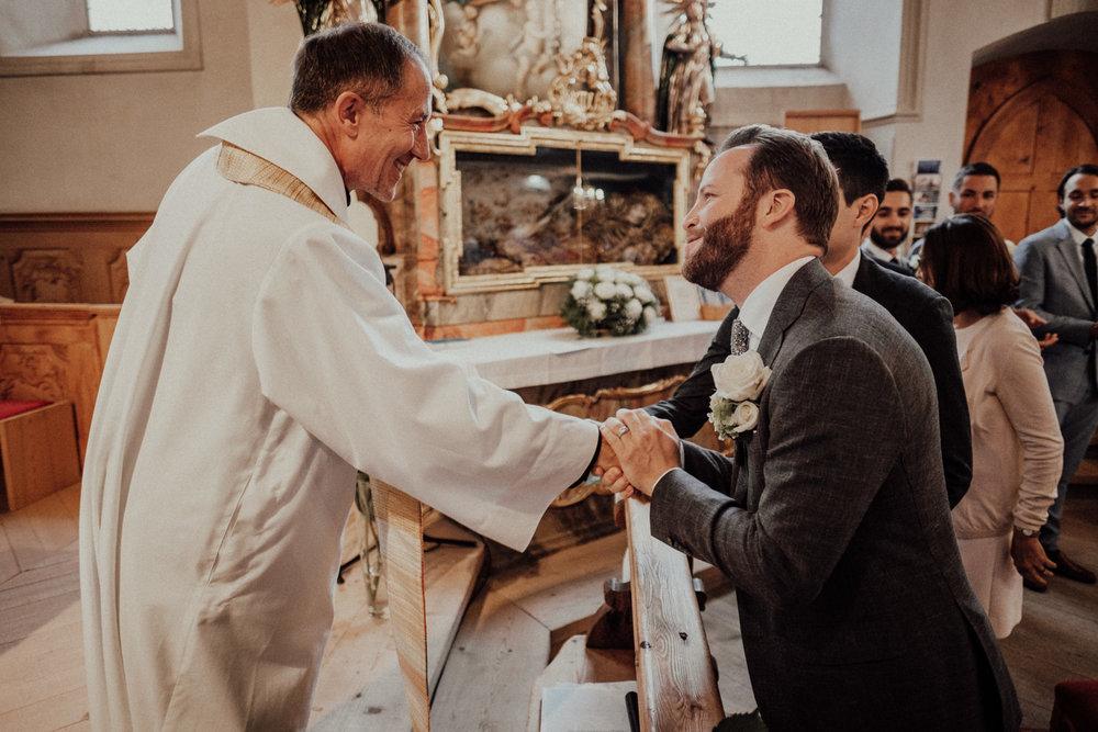 Hochzeitsfotos-Lech am Arlberg-Hochzeitsfotograf-Voralberg-Hochzeitslocation Villa Maund - Hochzeit Aachen Köln NRW Bonn -Hochzeitsfotograf Österreich-Gleichgeschlechtlich-Berghochzeit-Kevin Biberbach-130.jpg