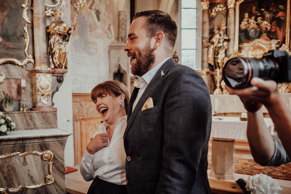 Hochzeitsfotos-Lech am Arlberg-Hochzeitsfotograf-Voralberg-Hochzeitslocation Villa Maund - Hochzeit Aachen Köln NRW Bonn -Hochzeitsfotograf Österreich-Gleichgeschlechtlich-Berghochzeit-Kevin Biberbach-135.jpg