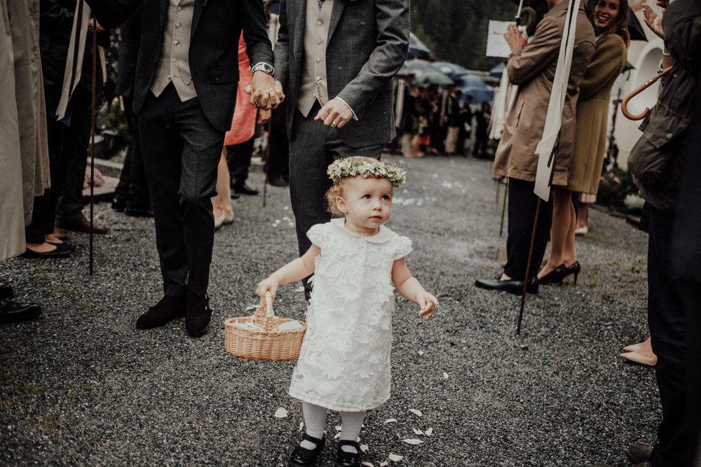Hochzeitsfotos-Lech am Arlberg-Hochzeitsfotograf-Voralberg-Hochzeitslocation Villa Maund - Hochzeit Aachen Köln NRW Bonn -Hochzeitsfotograf Österreich-Gleichgeschlechtlich-Berghochzeit-Kevin Biberbach-147.jpg