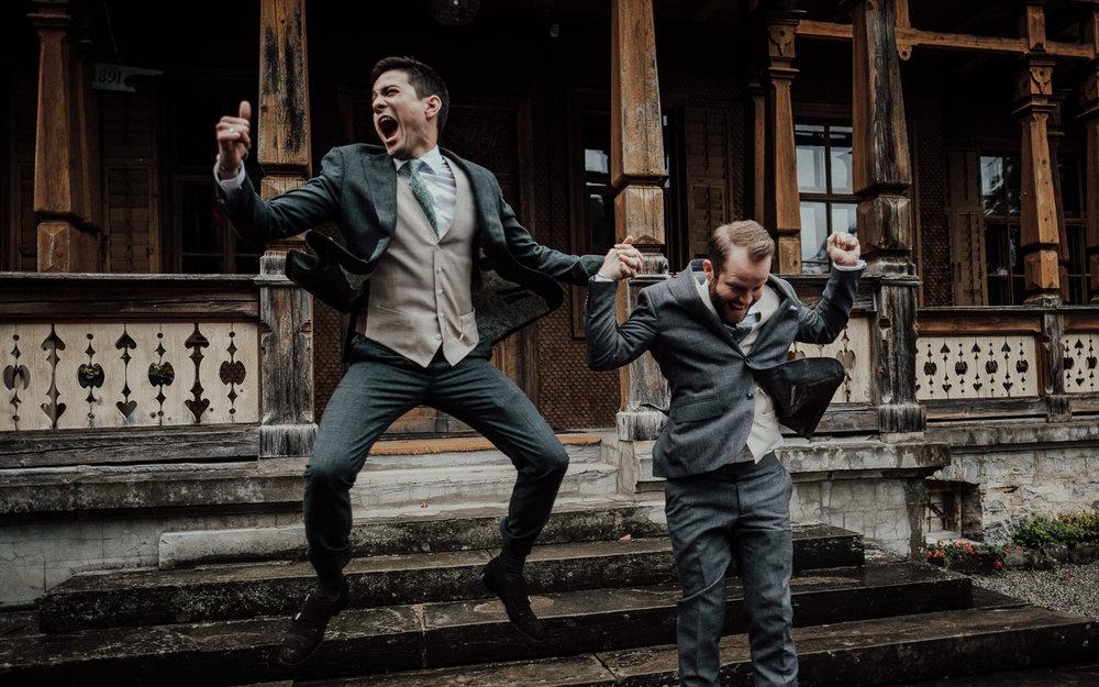 Hochzeitsfotos-Lech am Arlberg-Hochzeitsfotograf-Voralberg-Hochzeitslocation Villa Maund - Hochzeit Aachen Köln NRW Bonn -Hochzeitsfotograf Österreich-Gleichgeschlechtlich-Berghochzeit-Kevin Biberbach-239.jpg