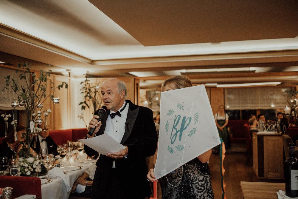 Hochzeitsfotos-Lech am Arlberg-Hochzeitsfotograf-Voralberg-Hochzeitslocation Villa Maund - Hochzeit Aachen Köln NRW Bonn -Hochzeitsfotograf Österreich-Gleichgeschlechtlich-Berghochzeit-Kevin Biberbach-294.jpg