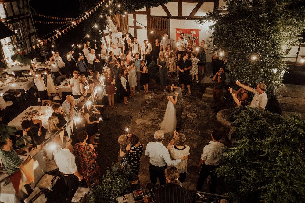 Rangefinder-Rising-Stars-Wedding-Photography-2018-Hochzeitsfotograf-Köln-Kevin-Biberbach-Hochzeitsfoto-Hohchzeitsreportage-Köln-NRW-Bonn-Düsseldorf-Heiraten-in-Köln-Preise-Empfehlung-Fotograf-Ehrenfeld-Hochzeitslocation-30.jpg