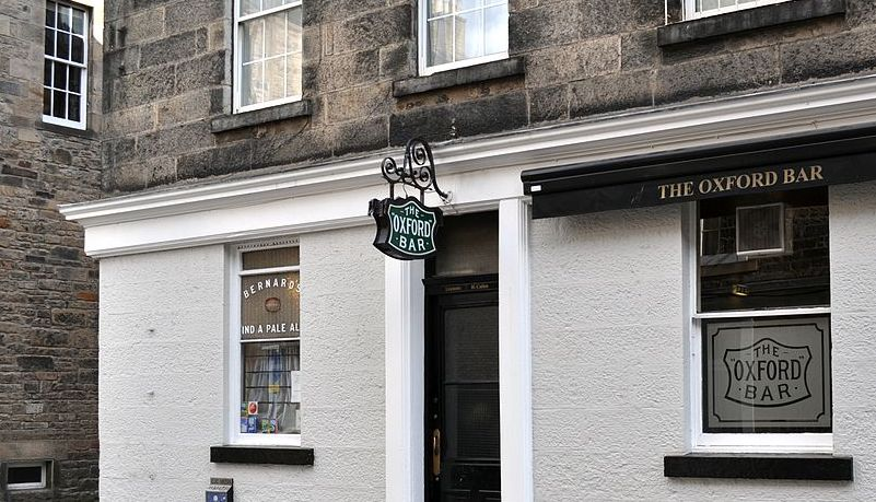 1200px-The_Oxford_Bar,_Edinburgh.jpg