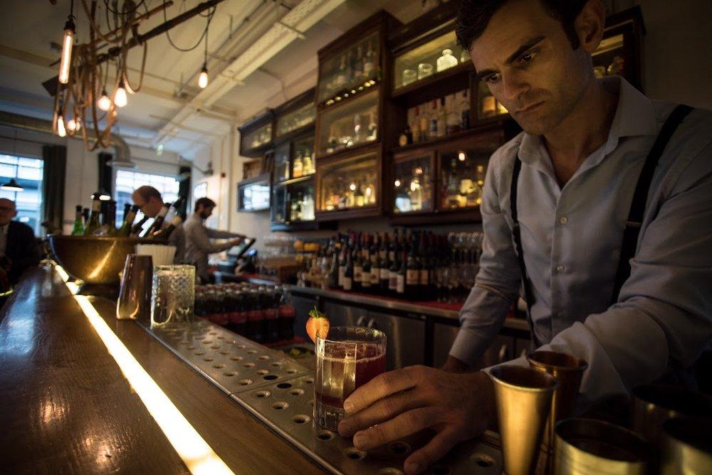 tanner-bar-drinks-bartender