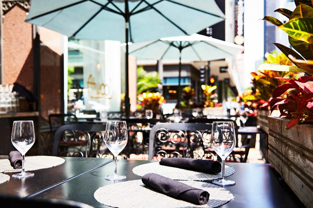 Outdoor Dining in Chicago on Atwoods Patio.jpg