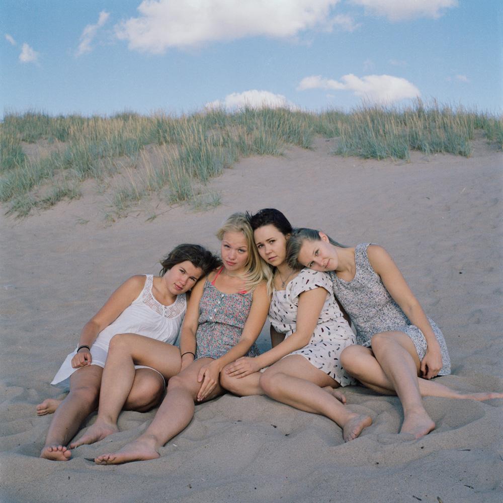 Betwee_The_Girls- (2).jpg